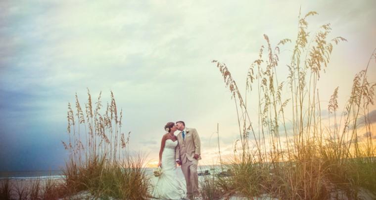 Grand Plaza Beachfront Resort Florida Wedding Photographer :: Alyson & Quint Wedding Sneak Peek